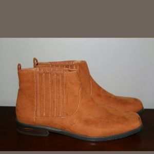 G.H. Bass & Co. Blaine whiskey ankle boots